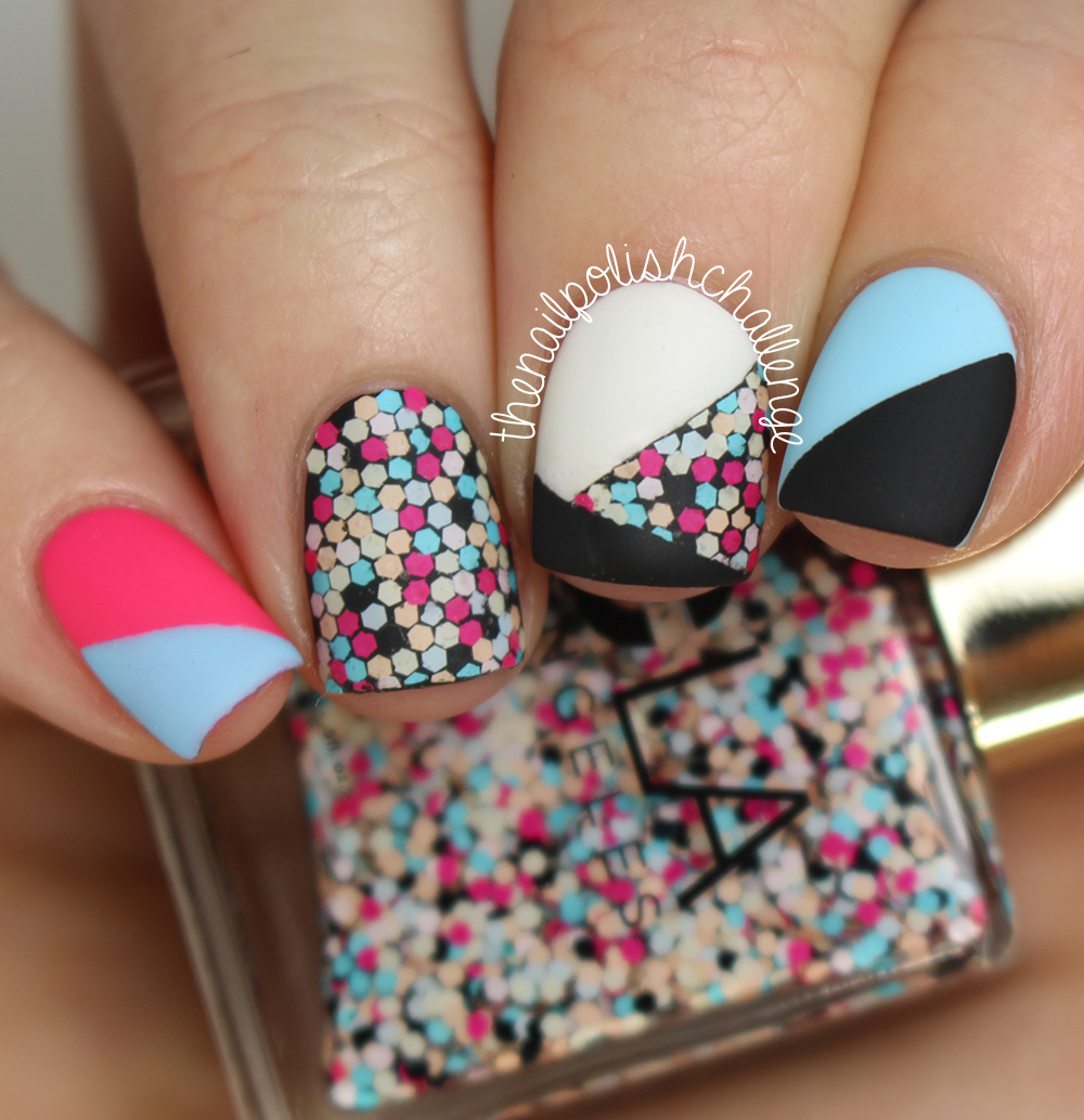 Nails of the Day: A mesmerizing mosaic