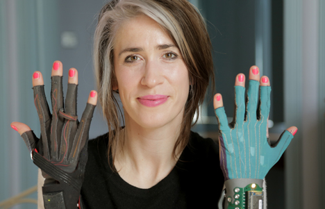 Imogen Heap just reinvented music with a pair of magic gloves. No bigs.