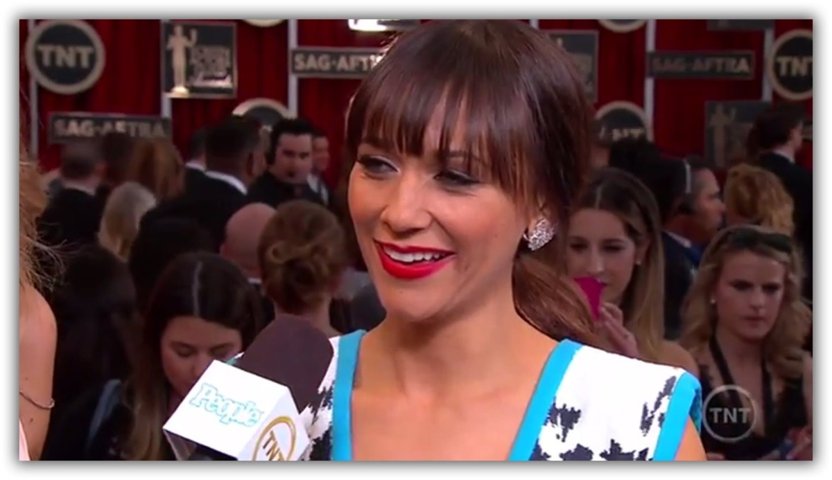 ICYMI: Rashida Jones shuts down SAG red carpet reporter in best possible way