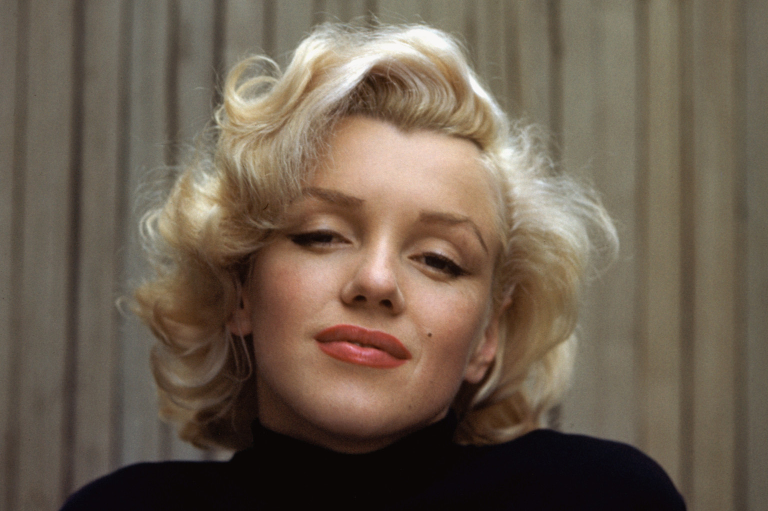 Vintage hairstyling tips that will make you look like a modern-day Marilyn  Monroe - HelloGiggles 2c4a9d5e6407