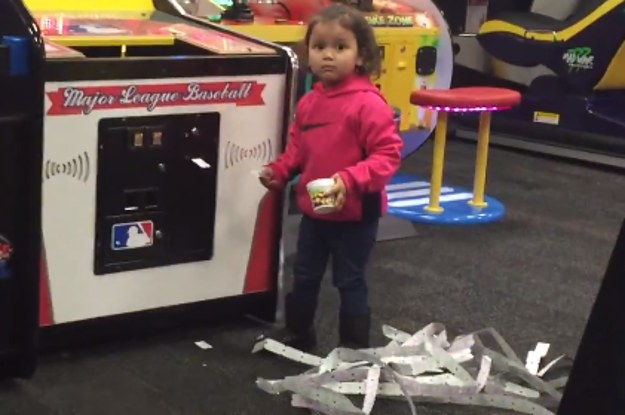 This badass little girl just owned Chuck-E-Cheese