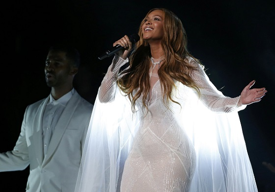 Can we just relive Beyoncé's stunning Grammy performance a billion more times, please?