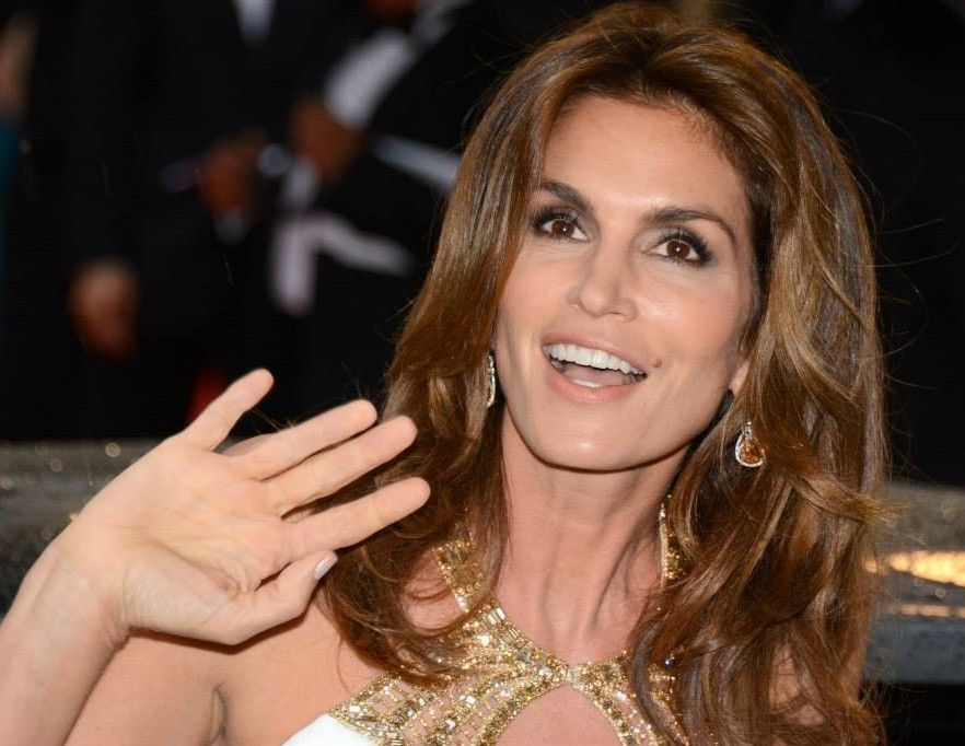 cindy crawford feminine