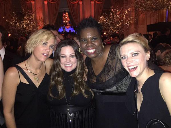 The first candid photo of the new 'Ghostbusters' is everything