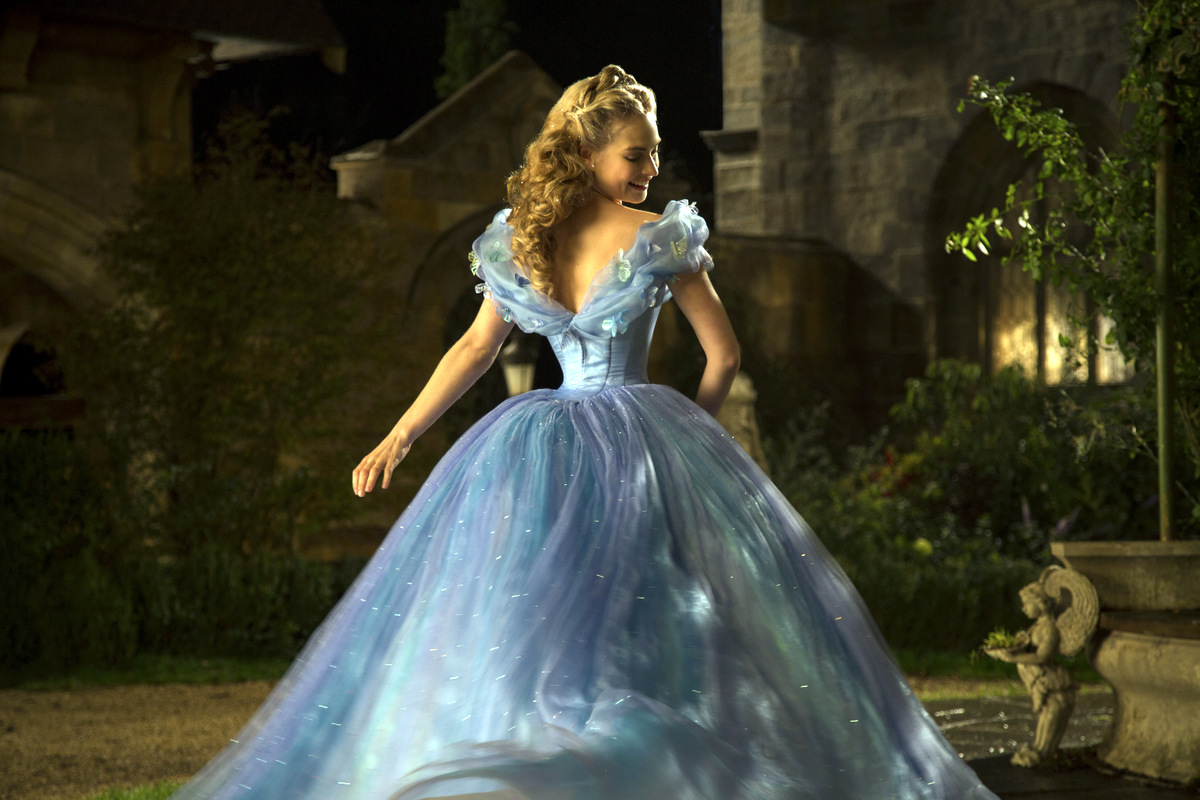 Lily James addresses the rumors that her waist was Photoshopped in 'Cinderella'