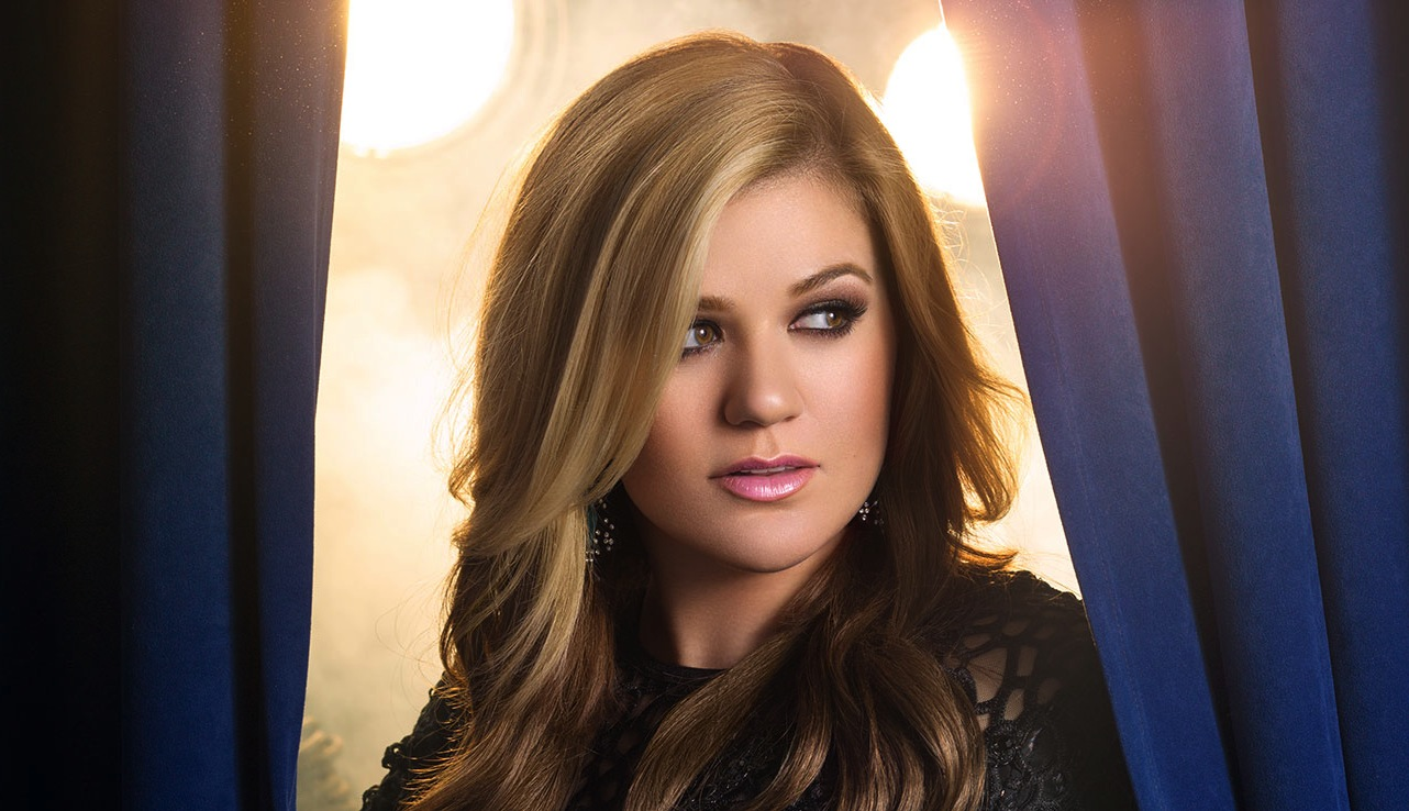 Kelly Clarkson's response to awful body-shaming tweets is perfection