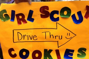 Some genius Girl Scouts made a drive-thru cookie stop!