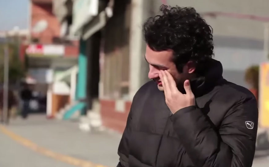 An entire town learned sign language for one hearing-impaired man, because people are awesome