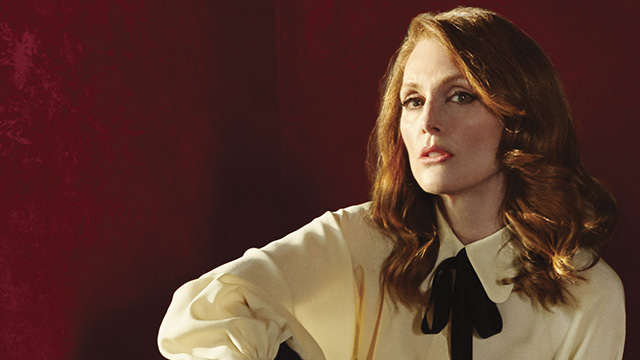 In a few words, Julianne Moore expertly sums up sexism on the red carpet