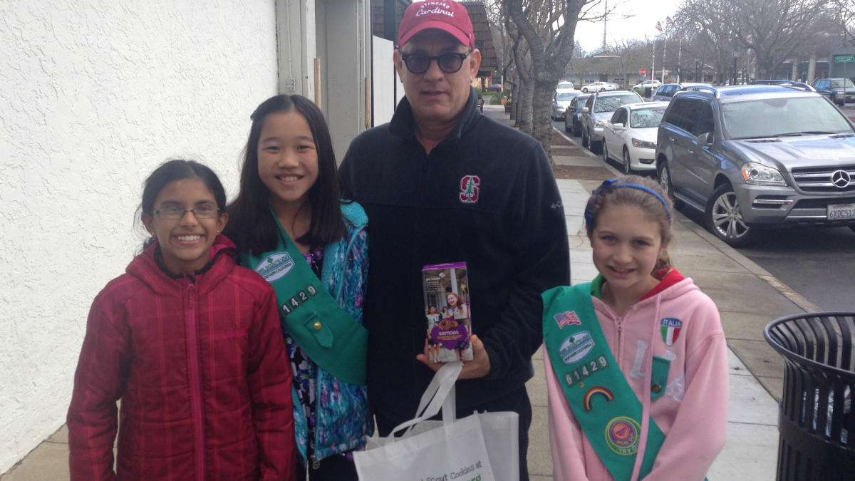 Tom Hanks helps Girl Scouts sell cookies because Tom Hanks is EVERYTHING