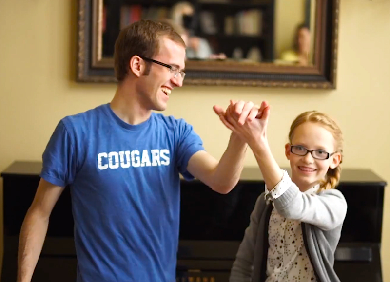 Frozen Fever: Dueling piano siblings play an amazing 'Frozen' mashup, backwards!