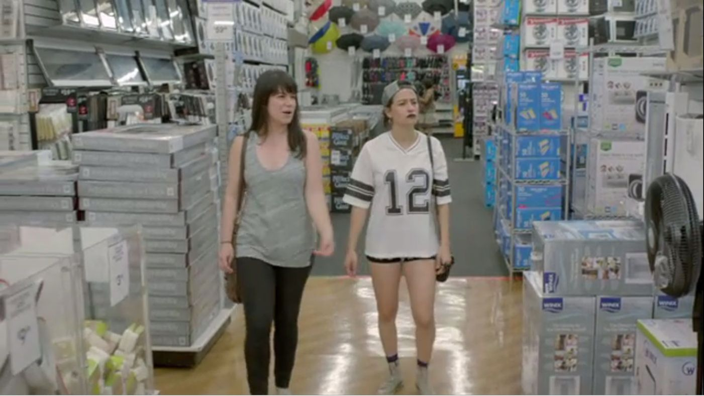Bed Bath & Beyond's amazing return policy is ending — Abbi and Ilana will freak