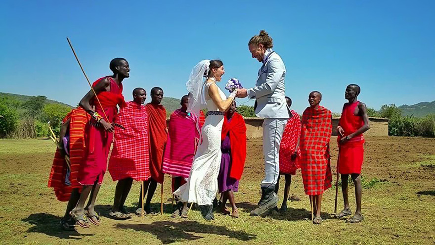 This rad couple just got married in 38 countries, also they're acrobats