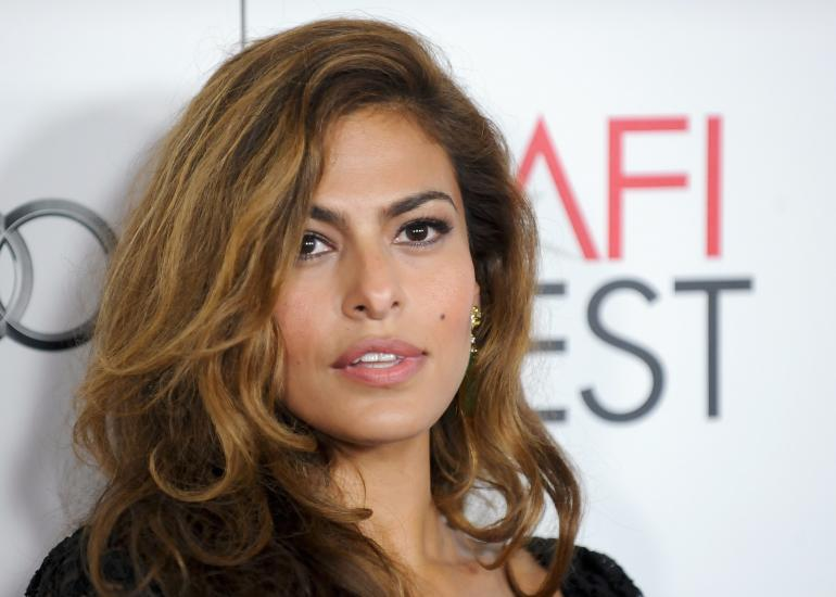 On Eva Mendes, Ryan Gosling, and all the sweatpants we really want to buy now