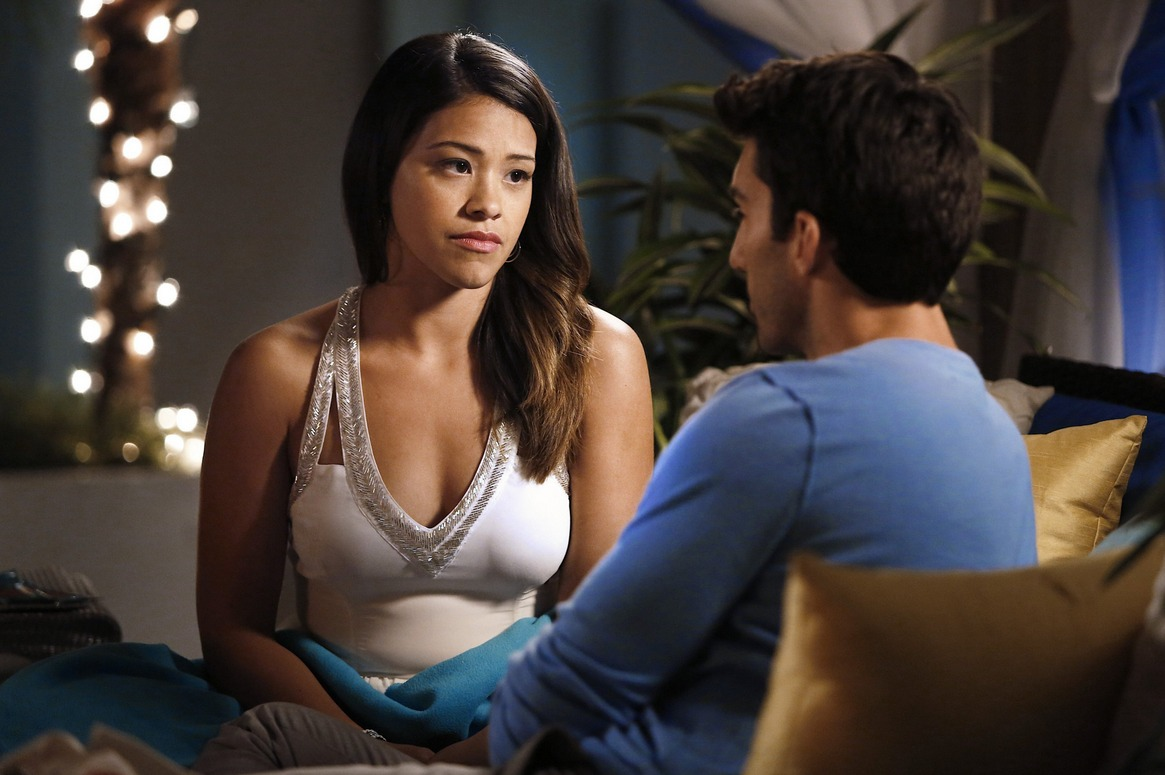 Gina Rodriguez shows us how to end a bad date like a total badass