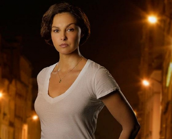Ashley Judd takes a powerful stand against internet violence toward women