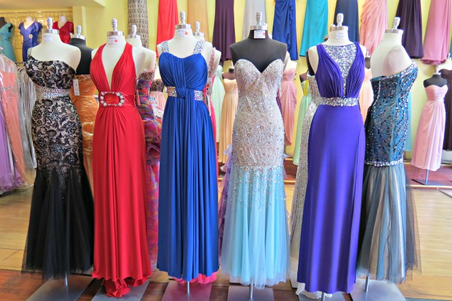 Teen Roundtable: Schools approving prom dresses