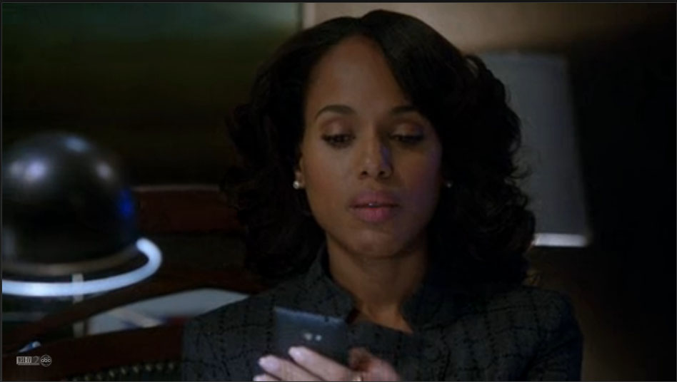 "Kerry Washington live-tweeted ""Scandal"" while she was in labor BECAUSE SHE'S A GLADIATOR"