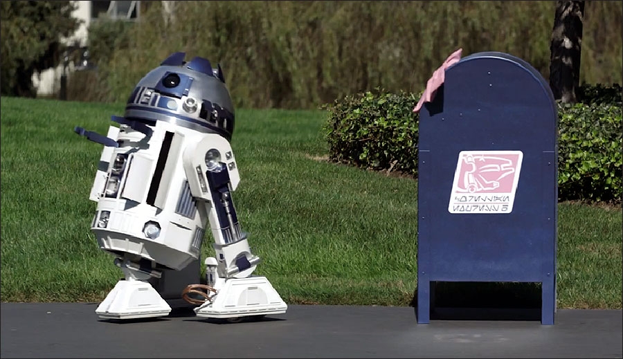 You must watch this beautiful R2-D2 love story