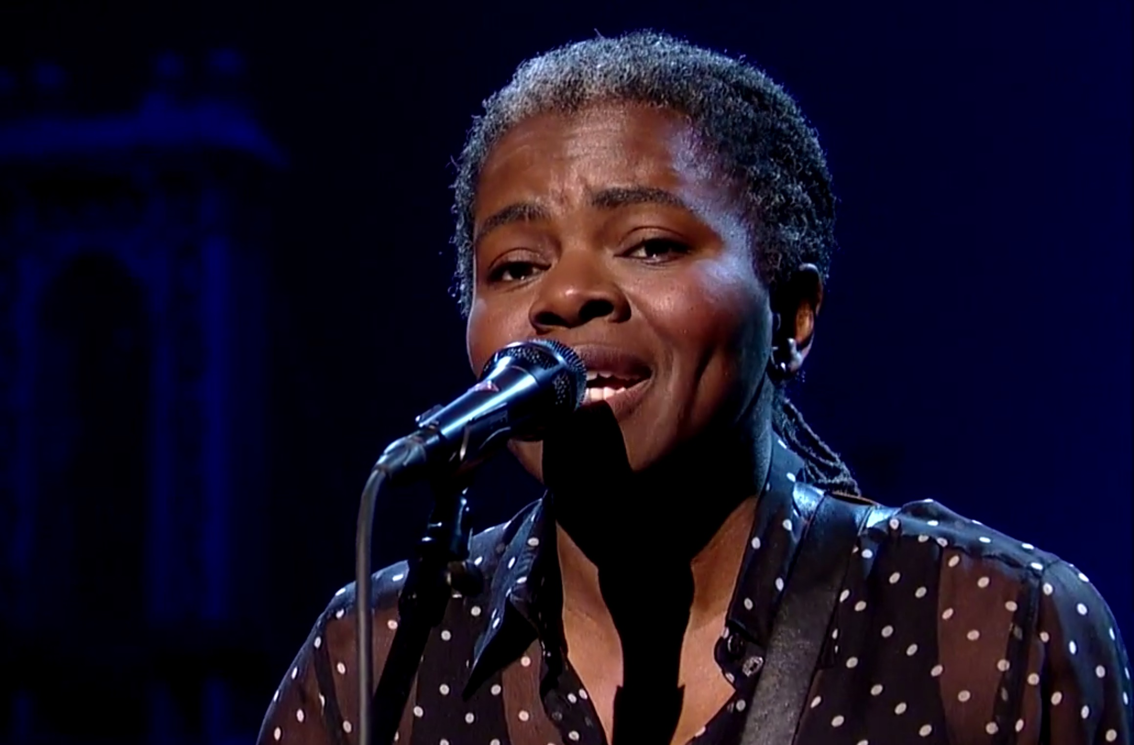 "ICYMI: Tracy Chapman's awe-inspiring cover of ""Stand By Me"" leaves us speechless"
