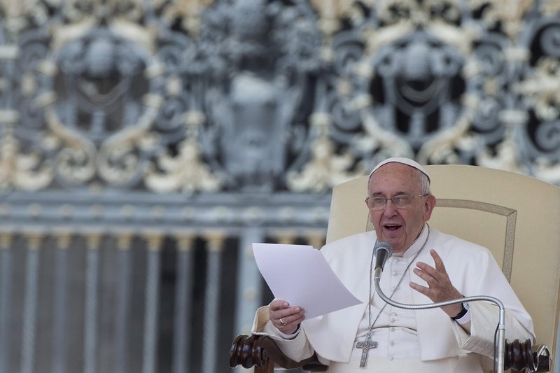 Pope Francis states his support for gender equality in the workplace