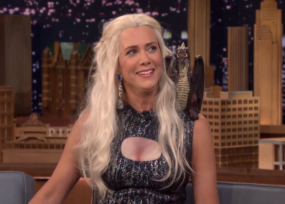 Kristen Wiig plays Daenerys Targaryen—and it's all we ever wanted