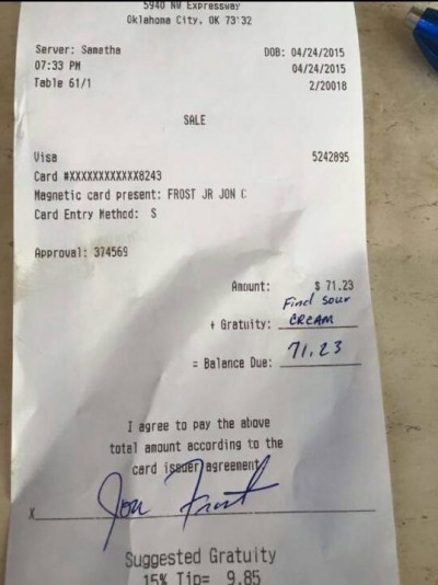 Waitress gets snarky tip but the Internet has her back