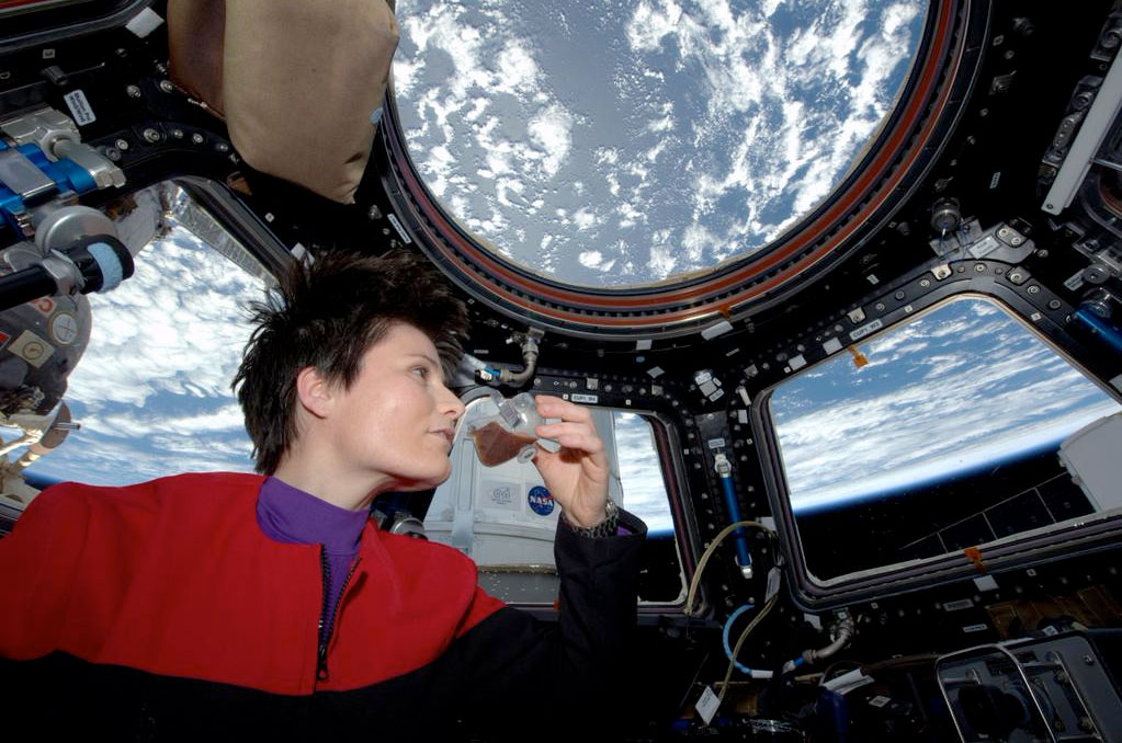 Our favorite 'Star Trek' fan tweets her coffee break from space