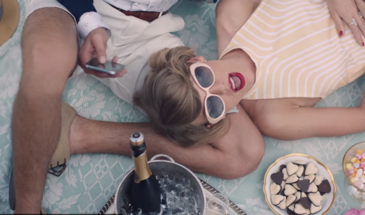 TayText let you text in Taylor Swift lyrics, for one brief, shining moment