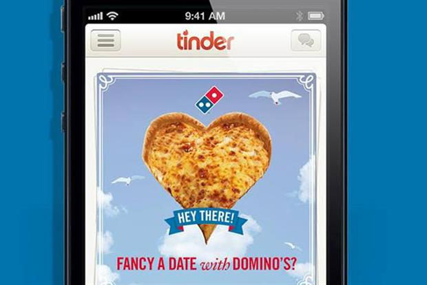 People are using Tinder to get free pizza. For real.