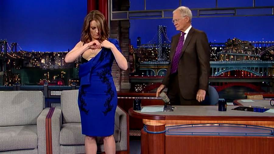 Tina Fey takes off her #LastDressEver to say goodbye to Letterman