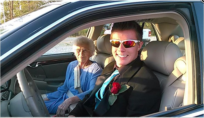 This sweetheart high schooler took his great-grandmother to prom