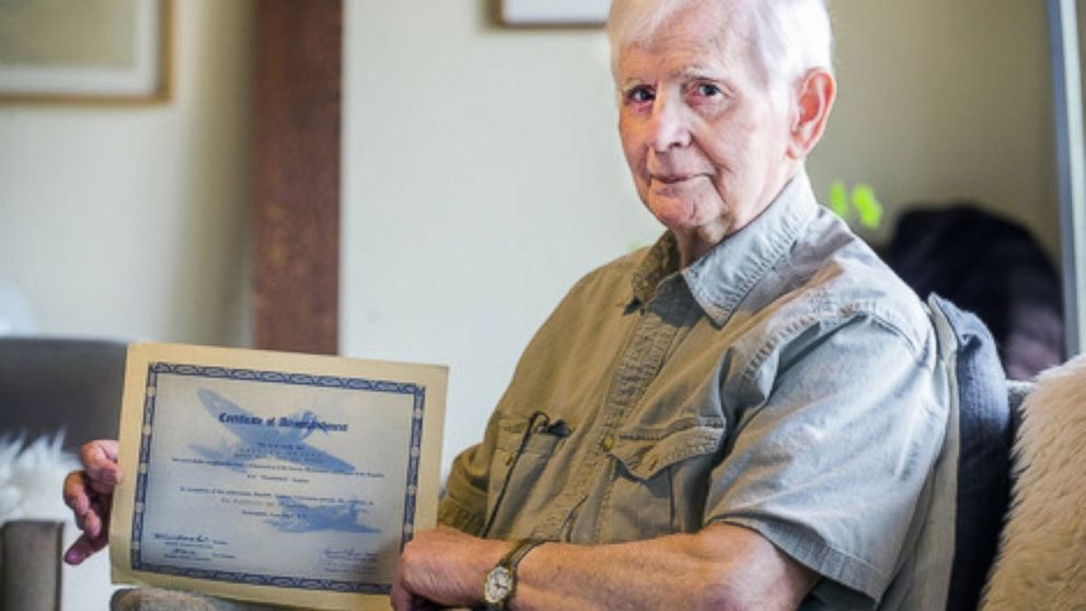 Congratulations to this 94-year-old man who just graduated from college, 75 years after his freshman year!