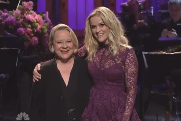 "Reese Witherspoon apologizes to ""the love of her life""—her mom — on SNL"