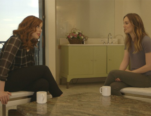 Vanessa Bayer gives Leighton Meester sound advice, and the two become the best of friends
