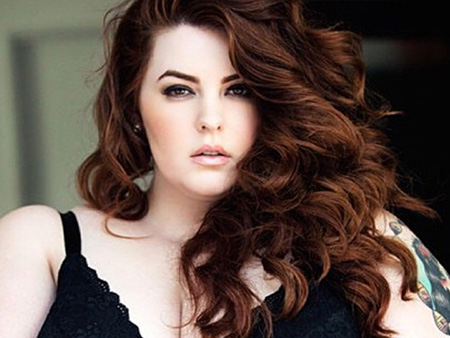 """Tess Holliday is redefining """"supermodel"""" with her gorg new 'People' cover"""