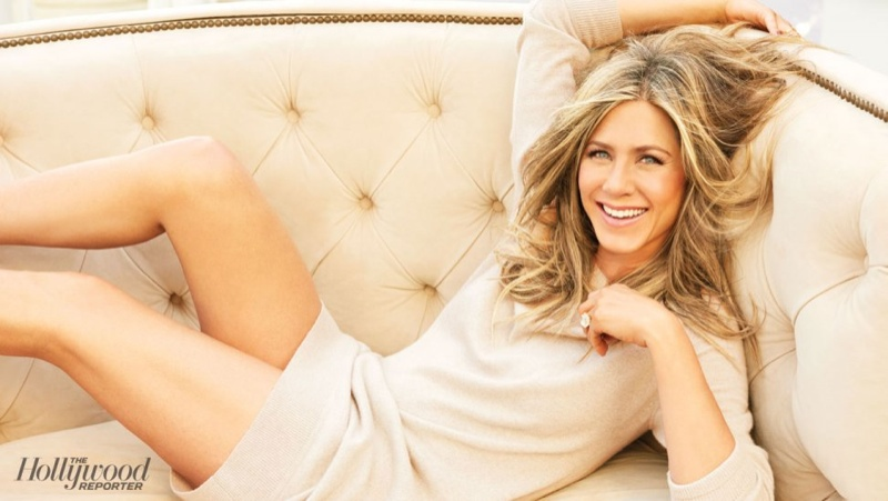 Jennifer Aniston gets on Instagram, and proceeds to crush it