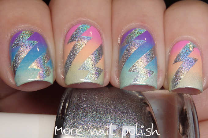 Nails of the Day: Bowie bolts