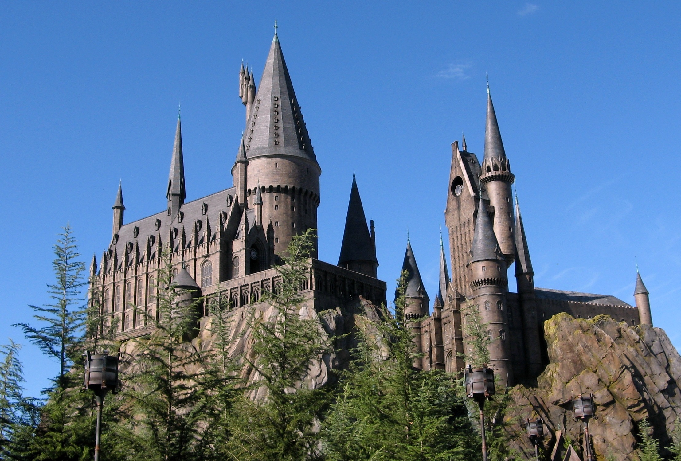 Pack your bags, the Wizarding World of Harry Potter is coming to Hollywood!