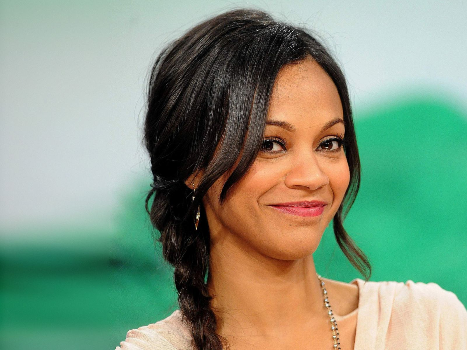 Zoe Saldana's response to 'joke' about husband's last name = perfect