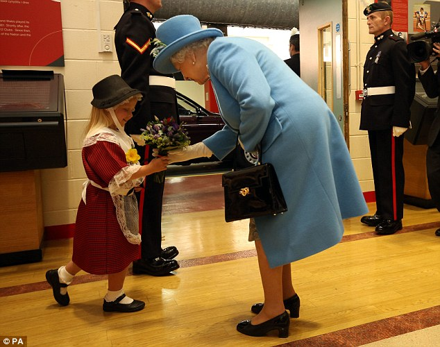 This girl totally had a sitcom moment when she met the Queen of England