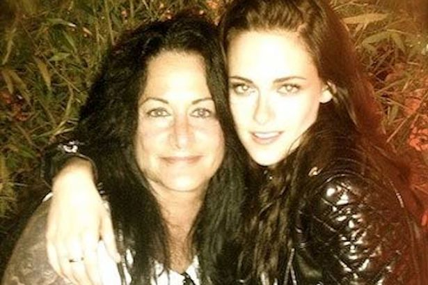 Kristen Stewart's relationship status, awesomely explained by her mom