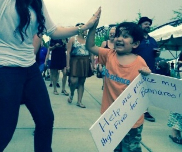 High five to this 7-year-old who broke a Guinness World Record at Bonnaroo