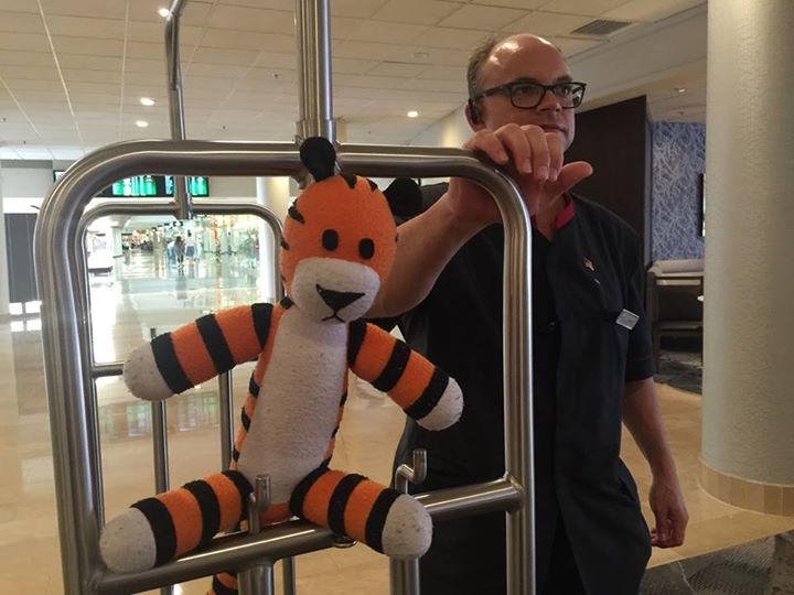 When a little boy lost his stuffed tiger at the airport, airport staff took him on an awesome adventure