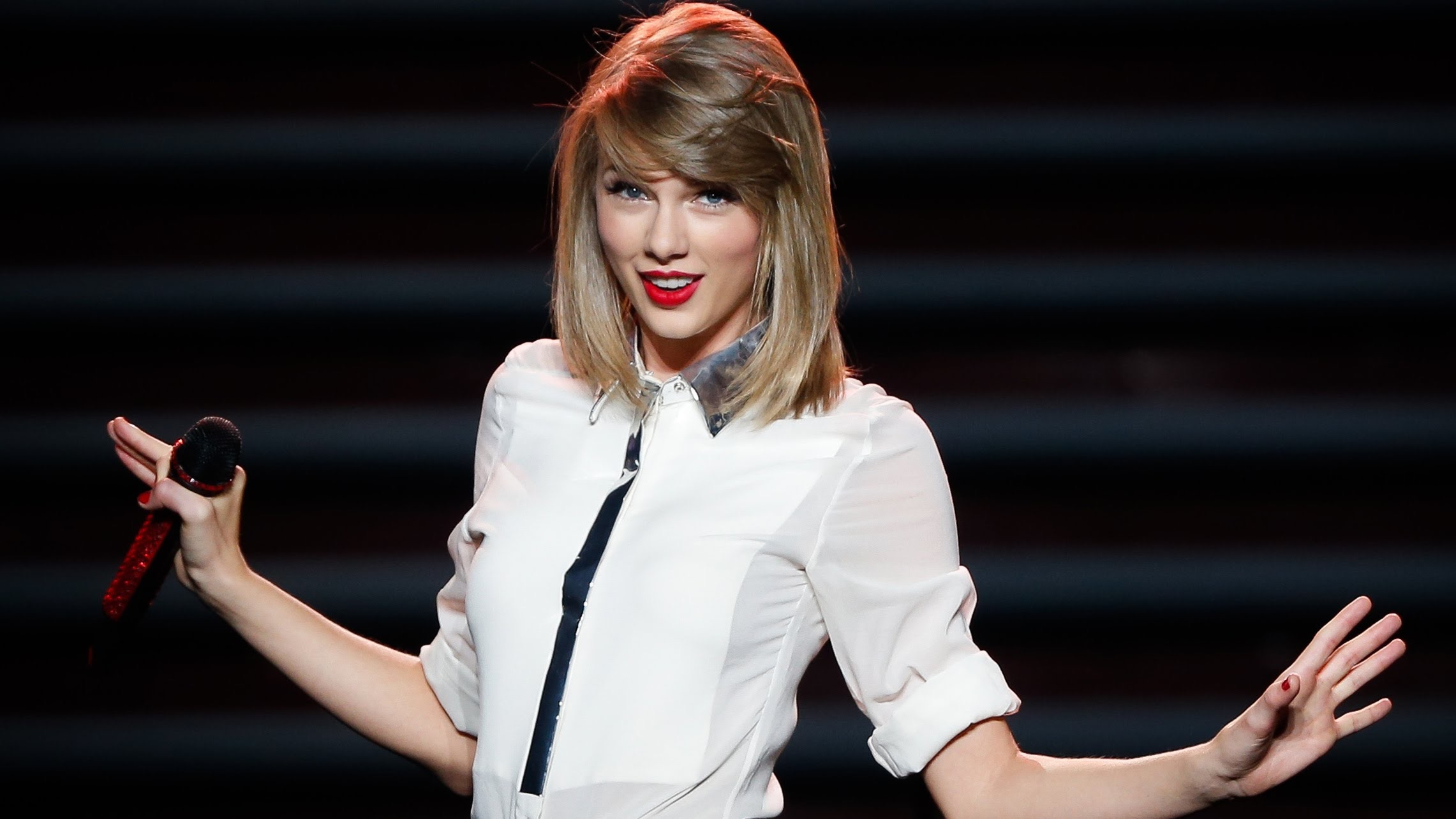 Taylor Swift just had the best response to a sexist tabloid tweet