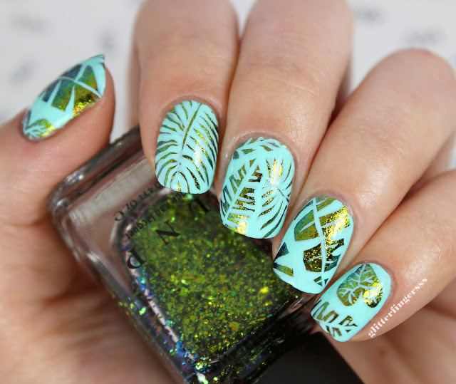 Nails of the Day: Foiled fronds