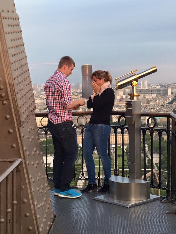The world is looking for this couple that got engaged on the Eiffel Tower