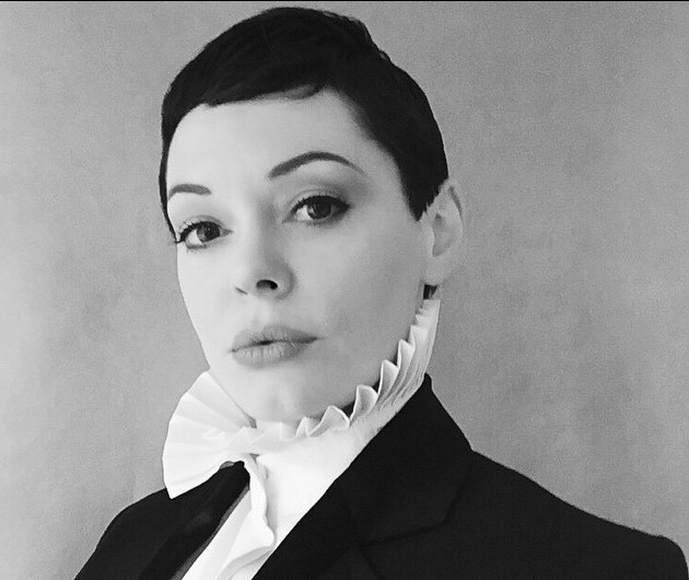 Rose McGowan is calling out Photoshopping like a boss