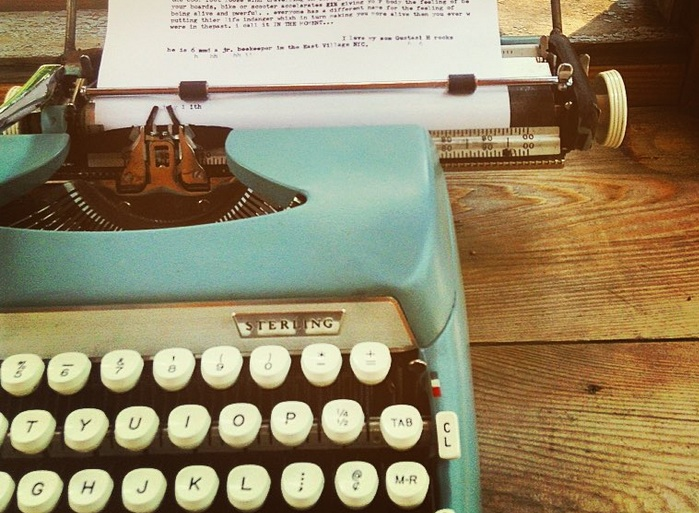 A typewriter in a public park turns hundreds of people into poets