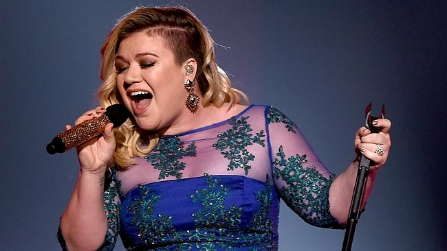 "Kelly Clarkson just covered Nick Jonas' hit ""Jealous"" — here's why"